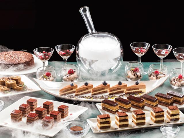 チョコレートの甘い誘惑&白い煙のスイーツブッフェ