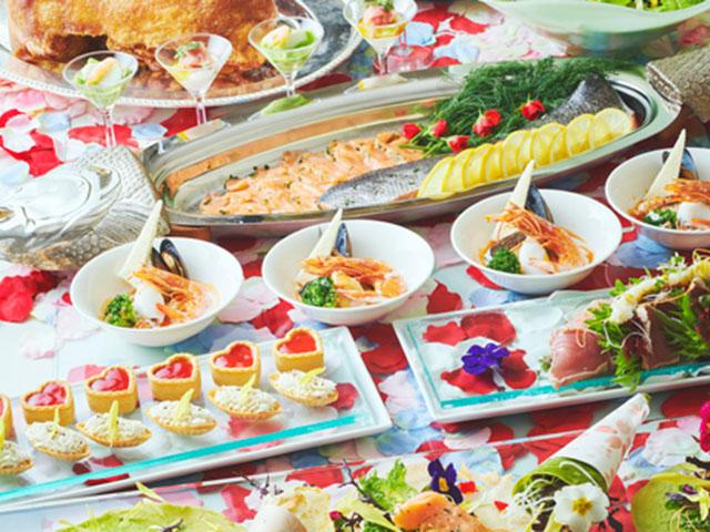 花と料理とスイーツの饗宴